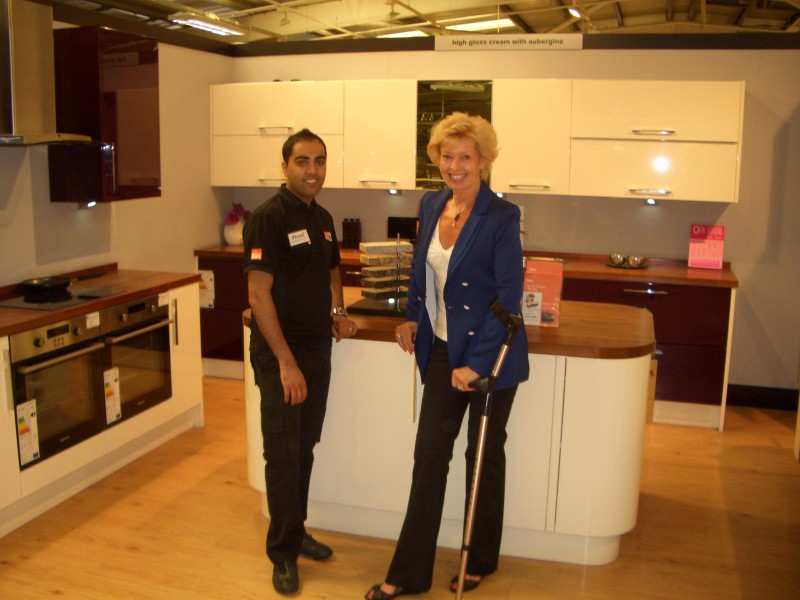 Later the 3 kitchens have been confirmed at b and q thanks to the
